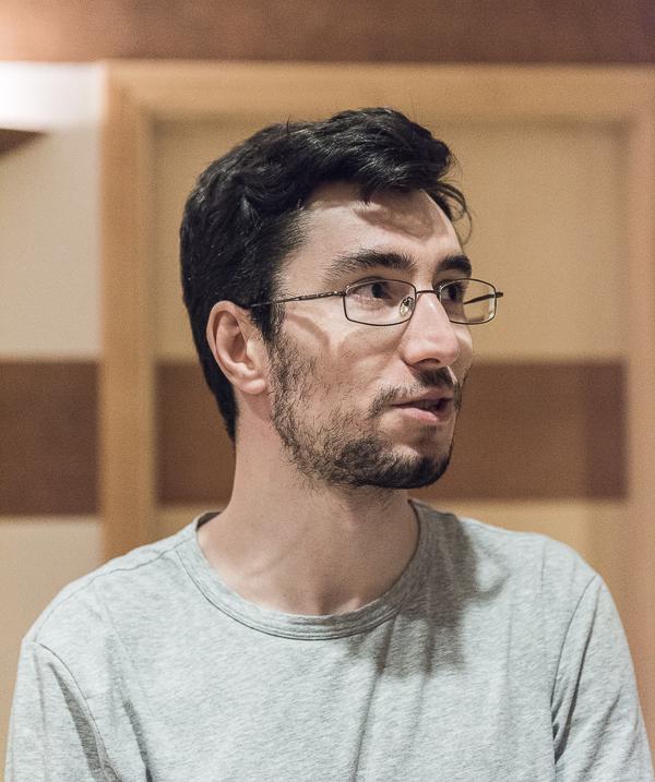 GM Adam Tukhaev vann bokstavligt talat med minsta möjliga marginal. (Foto: Lars OA Hedlund)