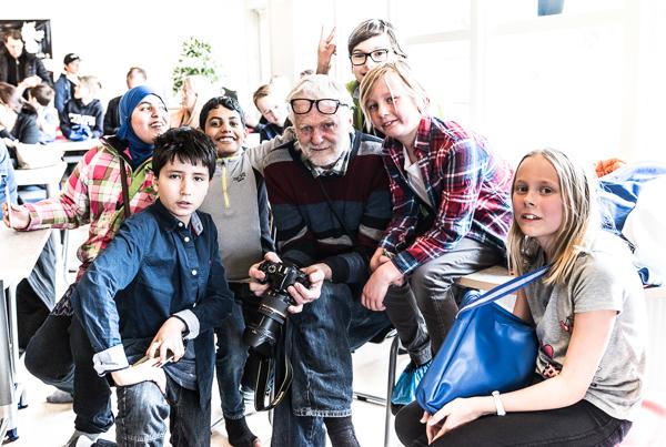 Sam Westerholm med sina adepter (Foto: Lars OA Hedlund)