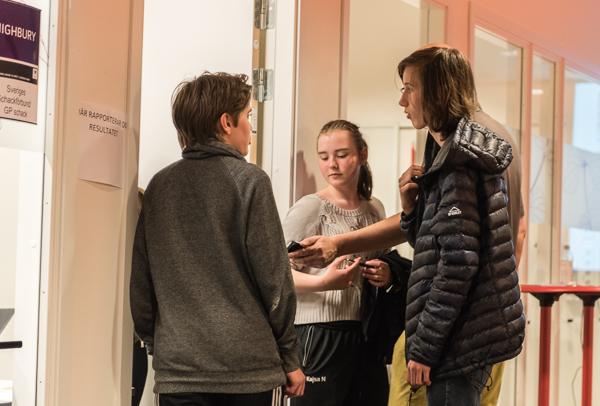 """"""" - Här är beviset"""" (Foto: Lars OA Hedlund)"""