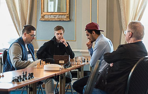 Uppvärmning inför rond 8 (Foto: Lars OA Hedlund)