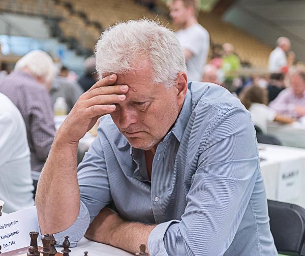 Kaj Engström spelade en av de otaliga weekendturneringarna som pågick under SM. (Foto: Lars OA Hedlund)