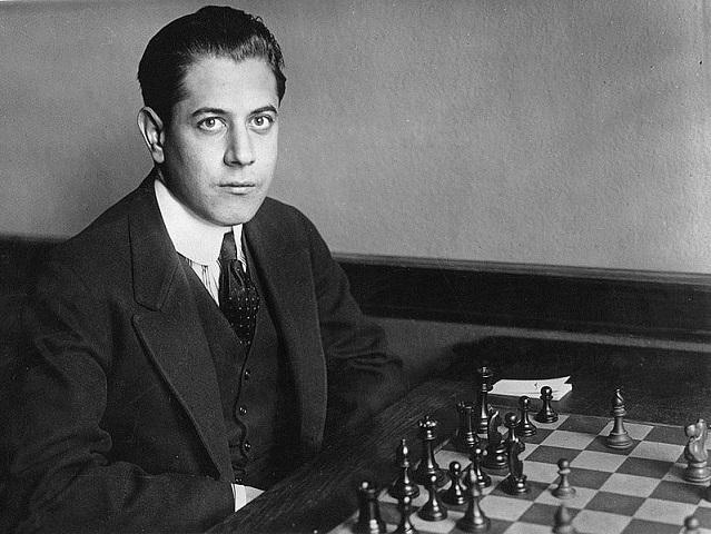 En ung José Raúl Capablanca i en bild tagen före 1920. (Källa: Wikimedia) En ung José Raúl Capablanca i en bild tagen före 1920. (Källa: Wikimedia)